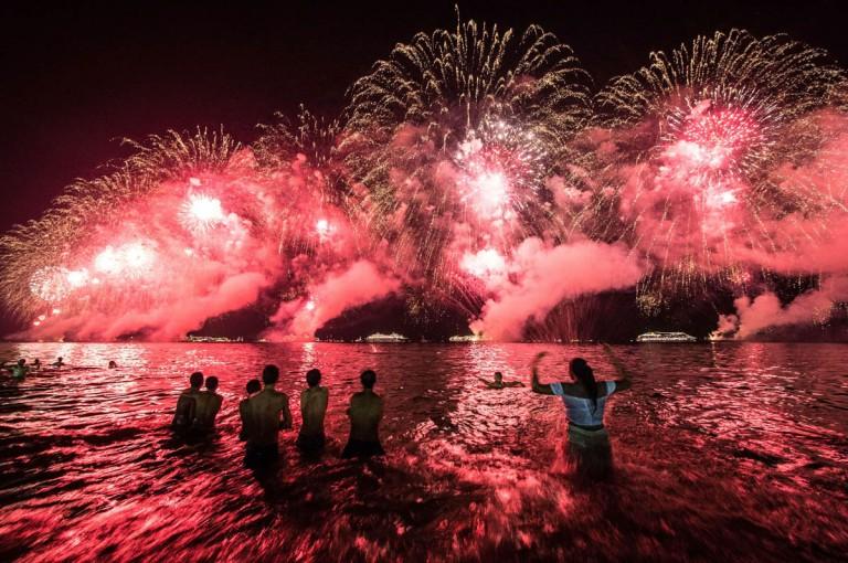 TOPSHOTS-BRAZIL-NEW YEAR CELEBRATION-COPACABANA